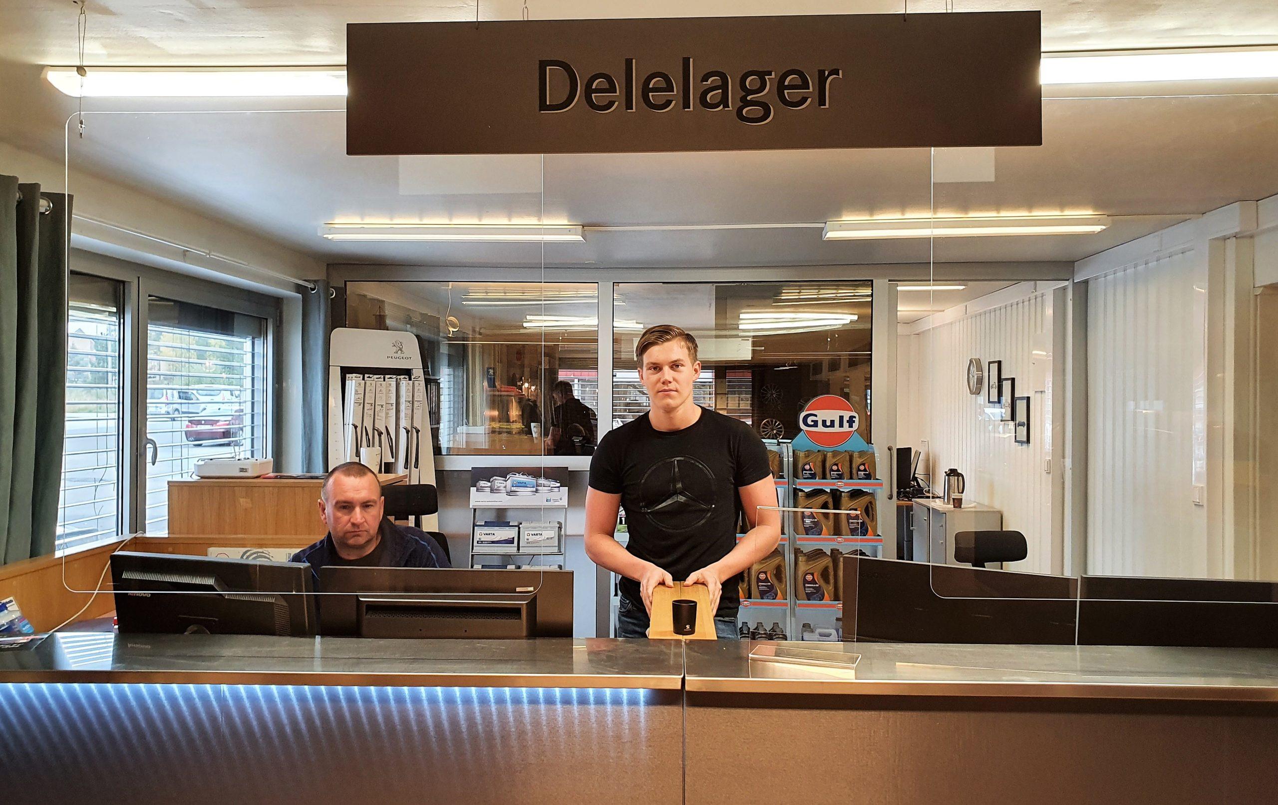 Theodor Eriksen har mottatt fagbrev og fått fast jobb hos Kongsvinger Bilsenter AS
