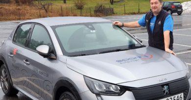Gunnar hos Sport1 er svært fornøyd med Peugeot e208